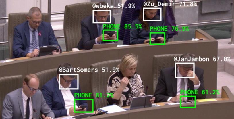 System Flemish Scrollers w praktyce - rozpoznaje twarze, a następnie oblicze, ile czasu polityk spędza na wpatrywaniu się w ekran /materiały prasowe