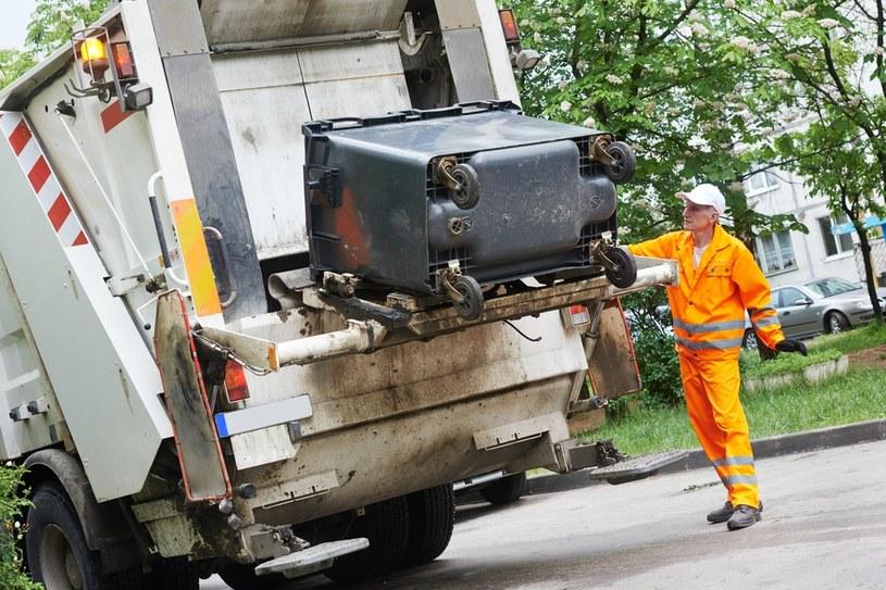 System gospodarki odpadami powinni finansować mieszkańcy, ale sankcji za dopłacanie do niego w ustawie nie ma /123RF/PICSEL