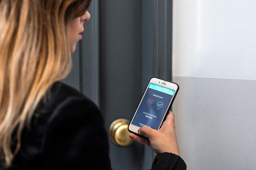System homeit pozwala na dostęp do mieszkania z poziomu smartfona /materiały prasowe