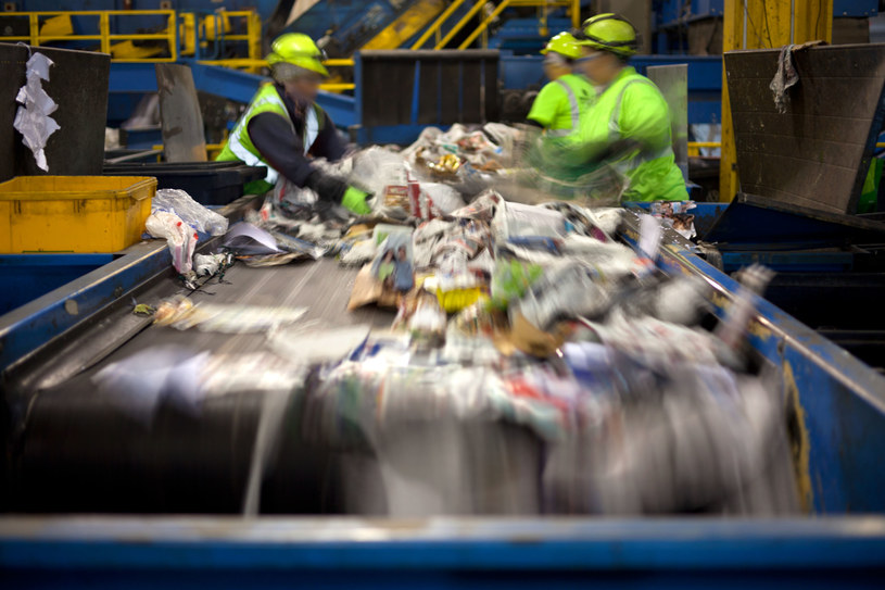System kaucyjny pomoże rozwiązać problem odpadów /123RF/PICSEL