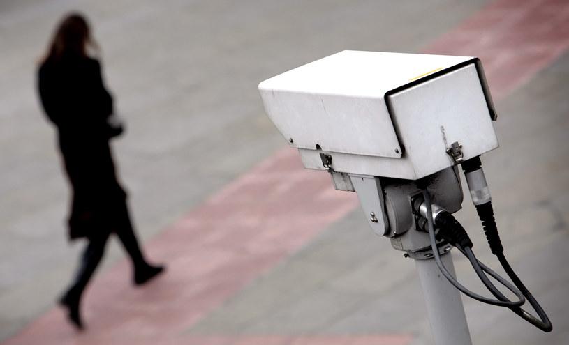 Systemy monitoringu mogą zostać wykorzystane do szkodliwych celów. /AFP
