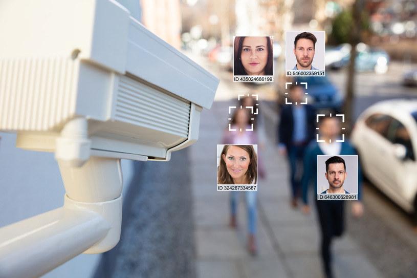 Systemy rozpoznawania twarzy budzą kontrowersje /123RF/PICSEL
