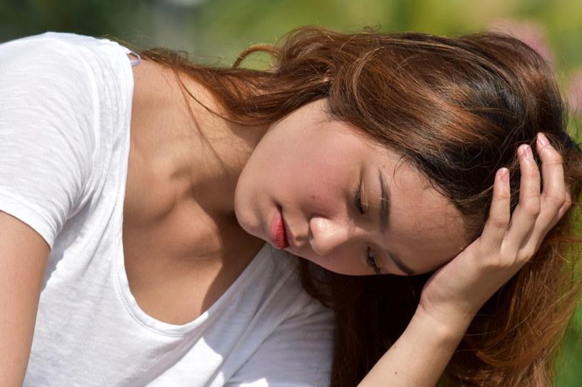 Sytuacja, kiedy pracodawca nieustannie znajduje jakieś zajęcie tak, żeby pracownica nie ma czasu nawet spokojnie zjeść, czy odpocząć w ciągu dnia, jest normą /123RF/PICSEL