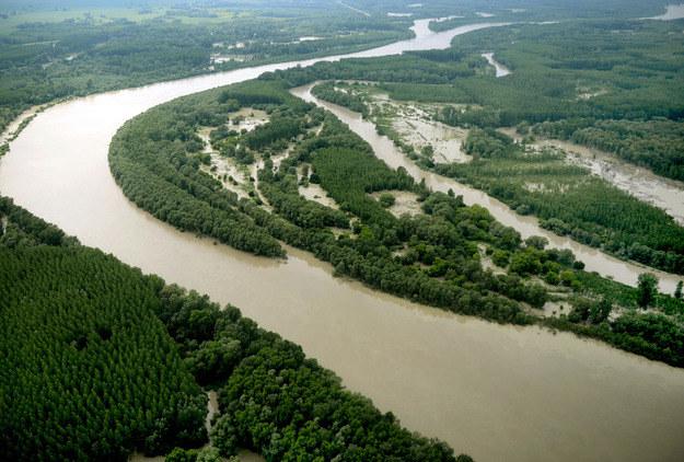 Sytuacja na Dunaju jest bardzo trudna /AFP