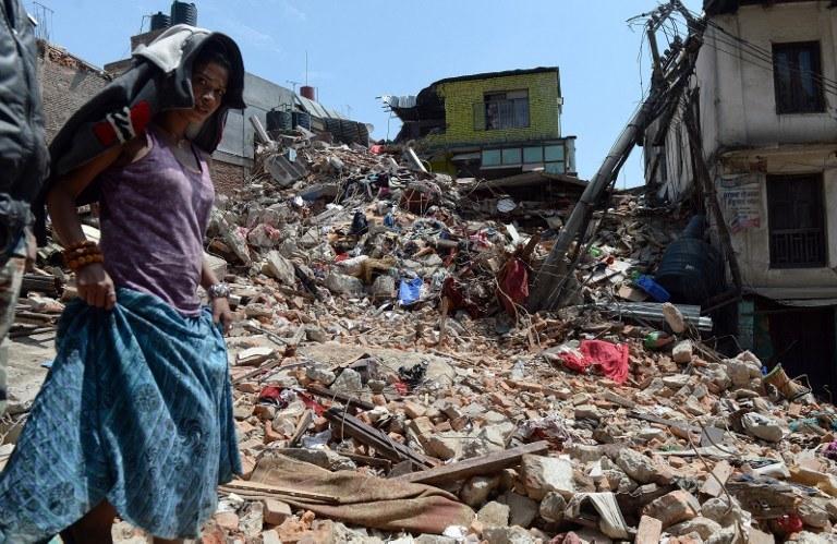 Sytuacja po trzęsieniu ziemi w Nepalu jest dramatyczna /AFP