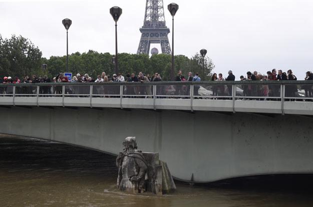 Sytuacja w Paryżu poprawia się /AFP