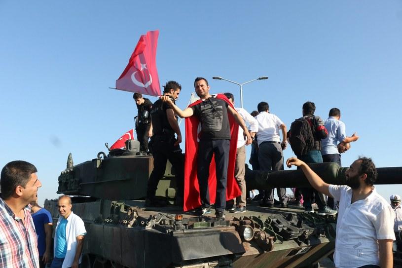 Sytuacja w Turcji wciąż jest trudna /PAP/EPA