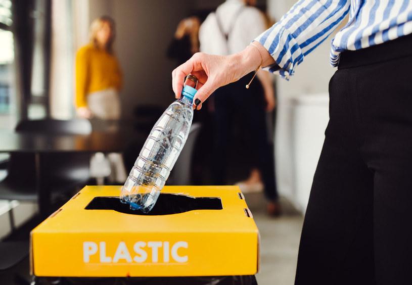 Szacuje się, że Polska z tytułu Plastic Tax  powinna wnieść wkład około 400 mln euro. /123RF/PICSEL