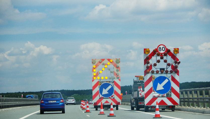 Szalejąca drożyzna utrudnia utrzymanie dróg