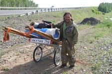 Szaman z Jakucji idzie na piechotę do Moskwy, by przepędzić Putina