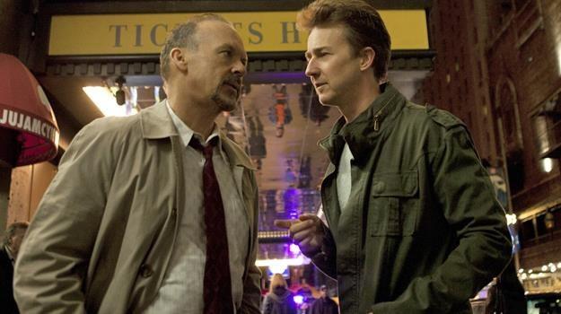 """Szansę na nagrodę mają grający w """"Birdmanie"""" Michael Keaton i Edward Norton /materiały prasowe"""