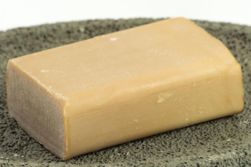 """Szare mydło powinno być stałym elementem """"wyposażenia"""" w naszych łazienkach /123RF/PICSEL"""