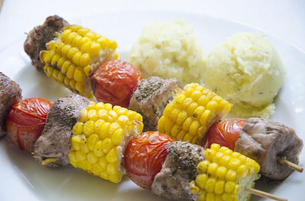 Szaszłyk z kukurydzą, fot. Malwina Zaborowska /RMF24
