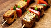 Szaszłyki z miodowym tofu