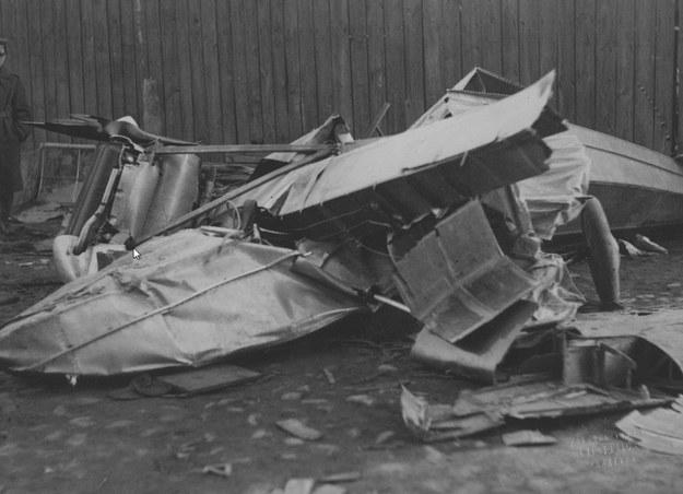 Szczątki samolotu amfibii PZL.12 /Z archiwum Narodowego Archiwum Cyfrowego