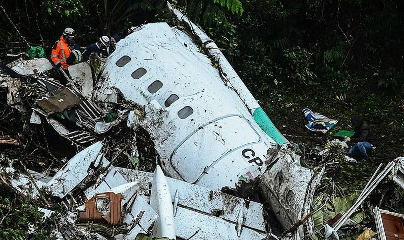 Szczątki samolotu, którym lecieli piłkarze Chapecoense /AFP