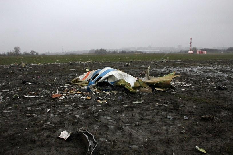 Szczątki samolotu pasażerskiego linii FlyDubai /AFP
