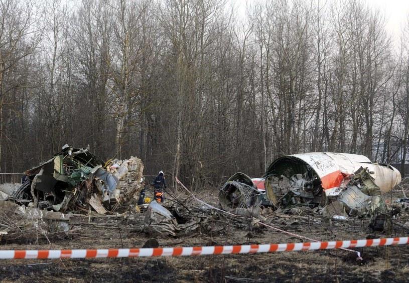 Szczątki samolotu w Smoleńsku /AFP