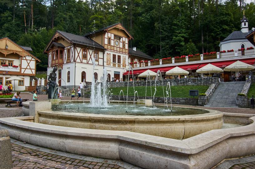 """Szczawnica po rewitalizacji nazywana jest """"polską Szwajcarią"""". Nie brakuje tu atrakcji dla rodzin /123RF/PICSEL"""