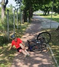 Szczecin: radna miała wypadek na rowerze. Wpadła w dziurę, o której wiedziała od lat