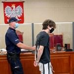 """Szczecin. Sąd zdecydował, że """"Kamerzysta"""" wyjdzie z aresztu. Youtuberowi grozi 8 lat więzienia"""