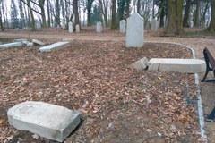 Szczecin: Wandale zdewastowali 130 nagrobków