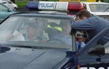 Szczecińscy policjanci wiedzą jak przekonać rodziców i dzieci do fotelika /RMF