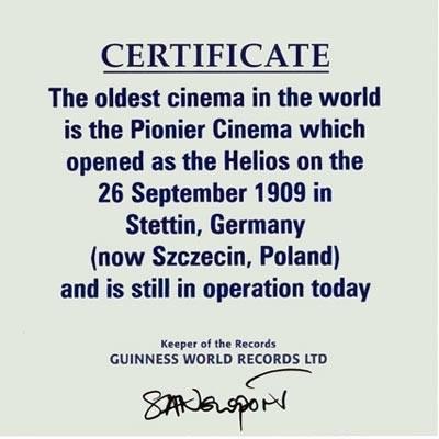 """Szczecińskie kino """"Pionier"""" jest najstarszym nieprzerwanie działąjącym kinem na świecie /"""