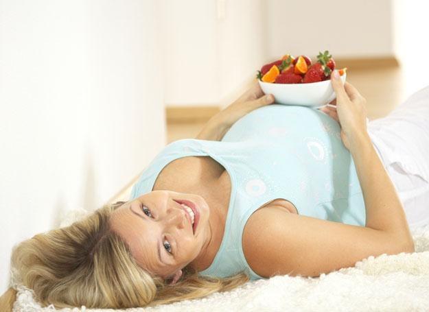 Szczególną uwagę kobiety ciężarne powinny zwrócić na wystarczającą podaż wapnia w diecie /© Panthermedia