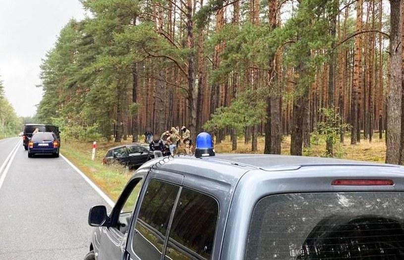 Szczególnie niebezpieczne bywają proste odcinki dróg! /Policja