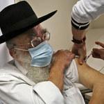 Szczepienia. Izrael: Pierwszy szpital, który podaje trzecią dawkę