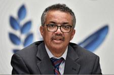 """Szczepienia na świecie. Szef WHO wyjaśnia, czym jest """"dwutorowa pandemia"""""""
