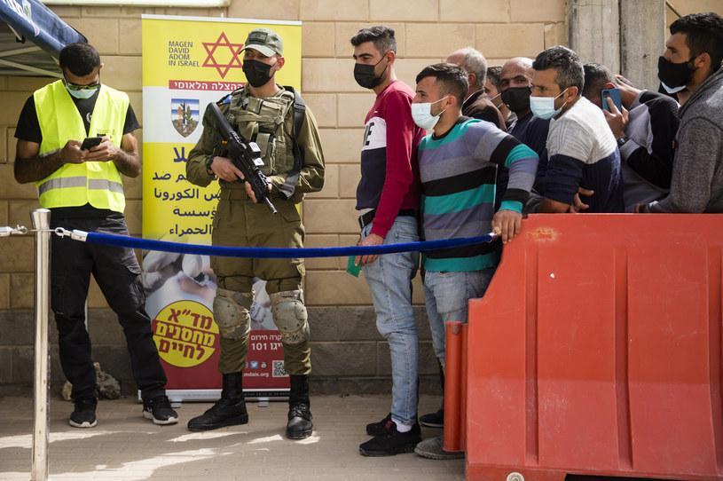 Szczepienia Palestyńczyków pracujących w Izraelu /Amir Levy  /Getty Images