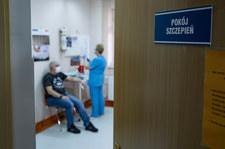 Szczepienia przeciw COVID-19. Rozpoczynają się zapisy dwóch nowych roczników dziennie