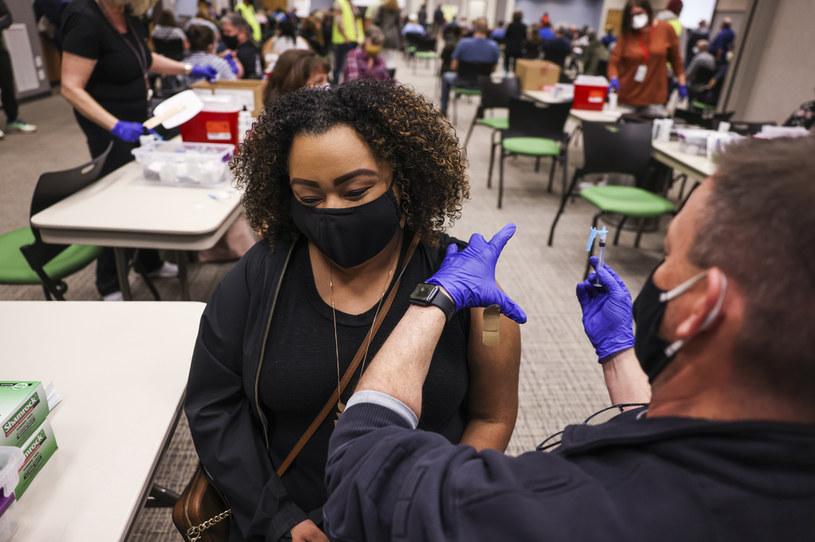 Szczepienia przeciw COVID-19 w USA /Michael Ciaglo /Getty Images