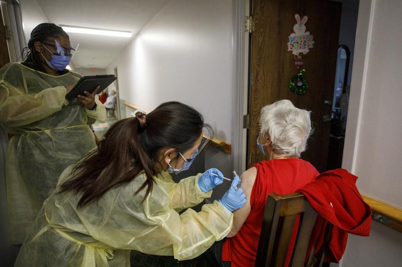 Szczepienia w Kanadzie /AFP