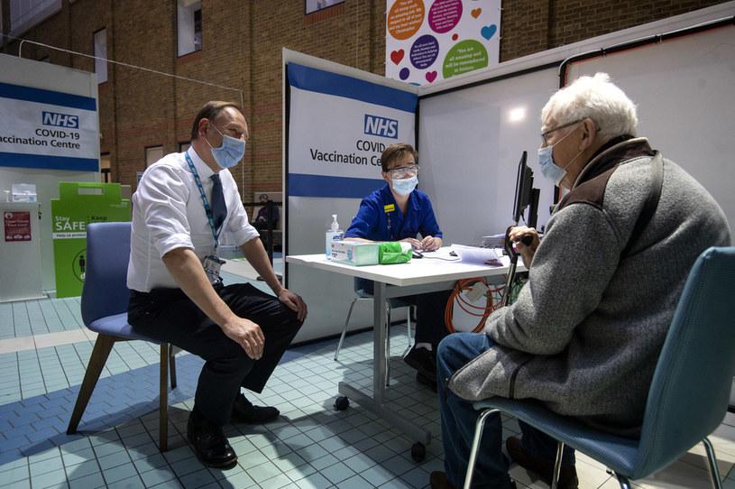 Szczepienia w Wielkiej Brytanii idą pełną parą /AFP