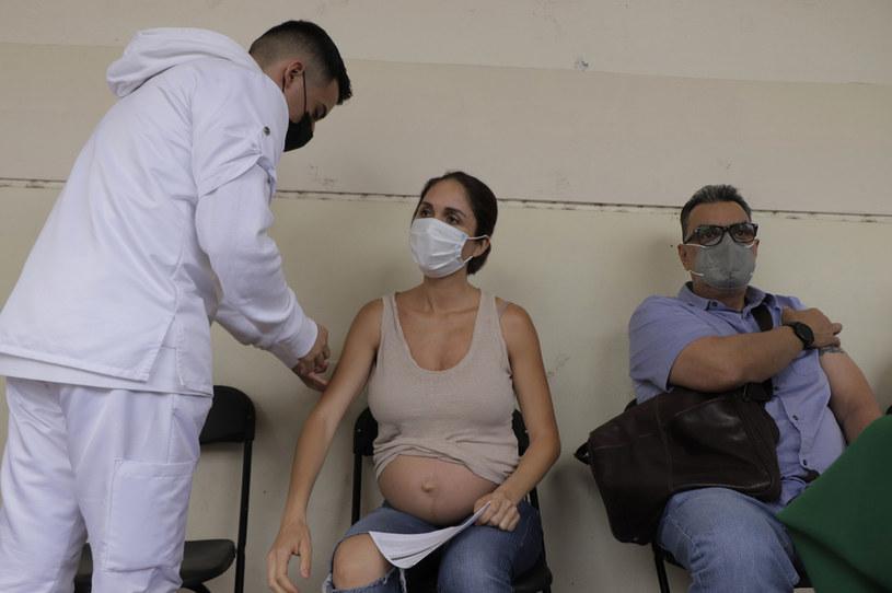Szczepienie ciężarnej kobiety, zdj. ilustracyjne /Getty Images