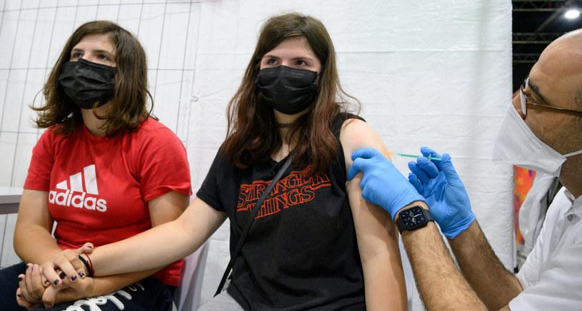 szczepienie dzieci w Niemczech /THOMAS KIENZLE /East News
