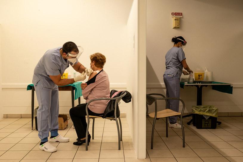 Szczepienie preparatem Sputnik V /Elisabetta Zavoli/Getty Images /Getty Images