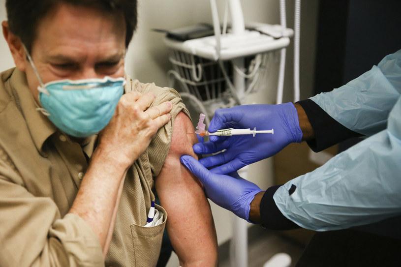 Szczepienie przeciw COVID-19 /AA/ABACA/Abaca /East News
