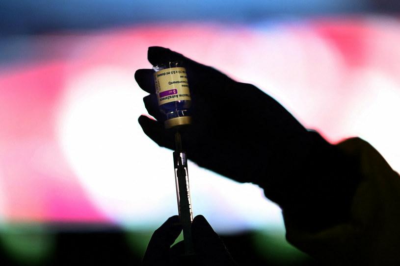 Szczepionka AstraZeneca; zdj. ilustracyjne /GABRIEL BOUYS/AFP /East News