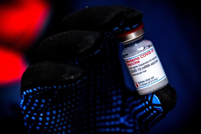 Szczepionka Moderny; zdj. ilustracyjne /ROB ENGELAAR/AFP /East News