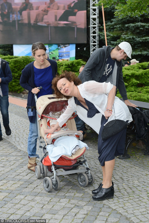 Szczepkowska ma świetny kontakt z wnuczką! /- /East News