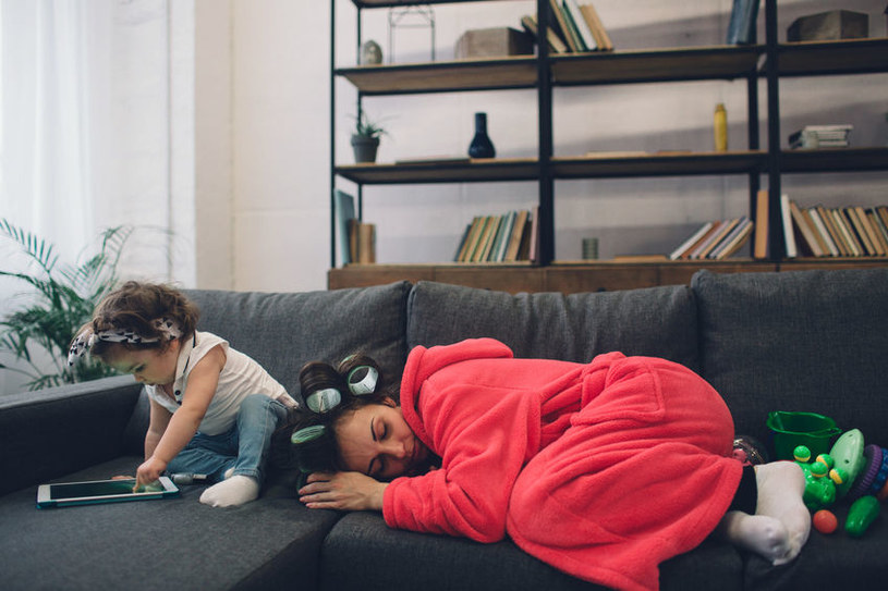 Szczęście dziecka jest skorelowane ze szczęściem matki /123RF/PICSEL