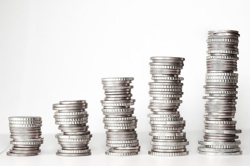 Szczęście rośnie proporcjonalnie do zarabianych pieniędzy /Pixabay.com