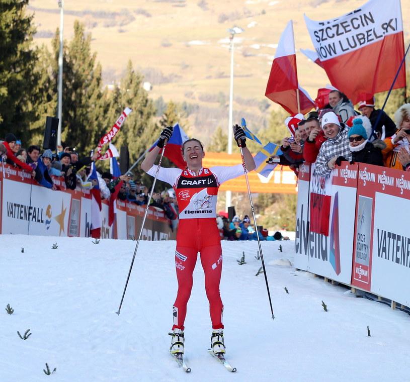 Szczęśliwa Justyna Kowalczyk na mecie ostatniego etapu Tour de Ski /Grzegorz Momot /PAP