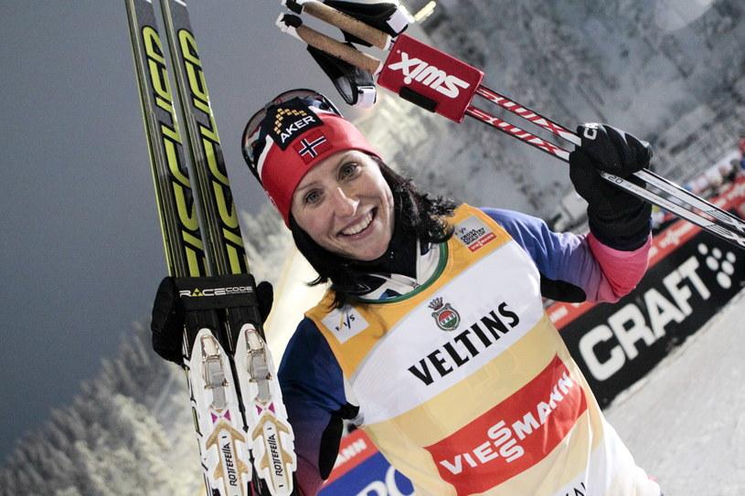Szczęśliwa Marit Bjoergen w Kuusamo /PAP/EPA