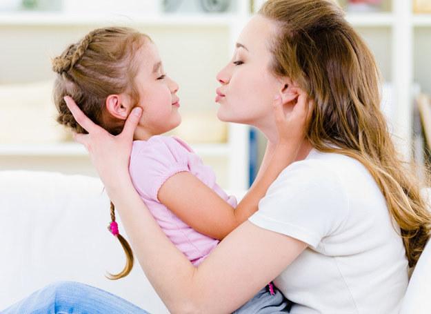 Szczęśliwa matka to szczęśliwe dziecko /123RF/PICSEL