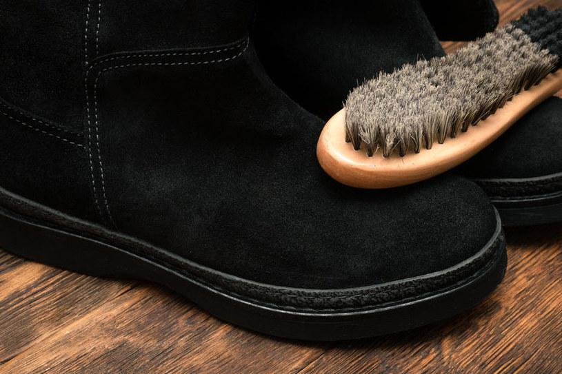 Szczoteczka do butów /©123RF/PICSEL